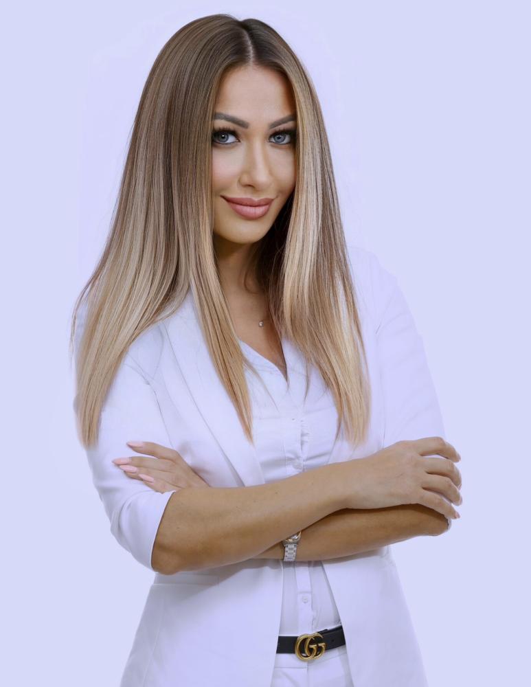 "</p> <p style=""color:white;"">Camelia Bararu</p> <p>"